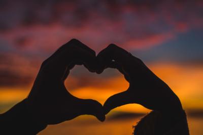 Un coucher de soleil dans un coeur