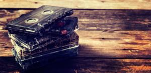 Cassettes audio vintage pour enregistrer votre histoire et rédiger votre biographie.